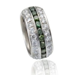 Green-Diamond-Triple-Row wht 800