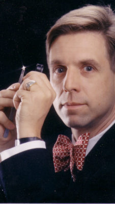 Etienne Perret designer, jeweler, goldsmith, certified gemologist